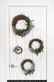 Clever DIY Minimalist Wreaths Guaranteed To Dress Up Your Home 13