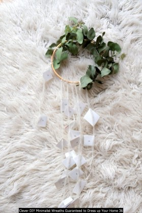 Clever DIY Minimalist Wreaths Guaranteed To Dress Up Your Home 36