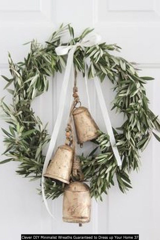 Clever DIY Minimalist Wreaths Guaranteed To Dress Up Your Home 37