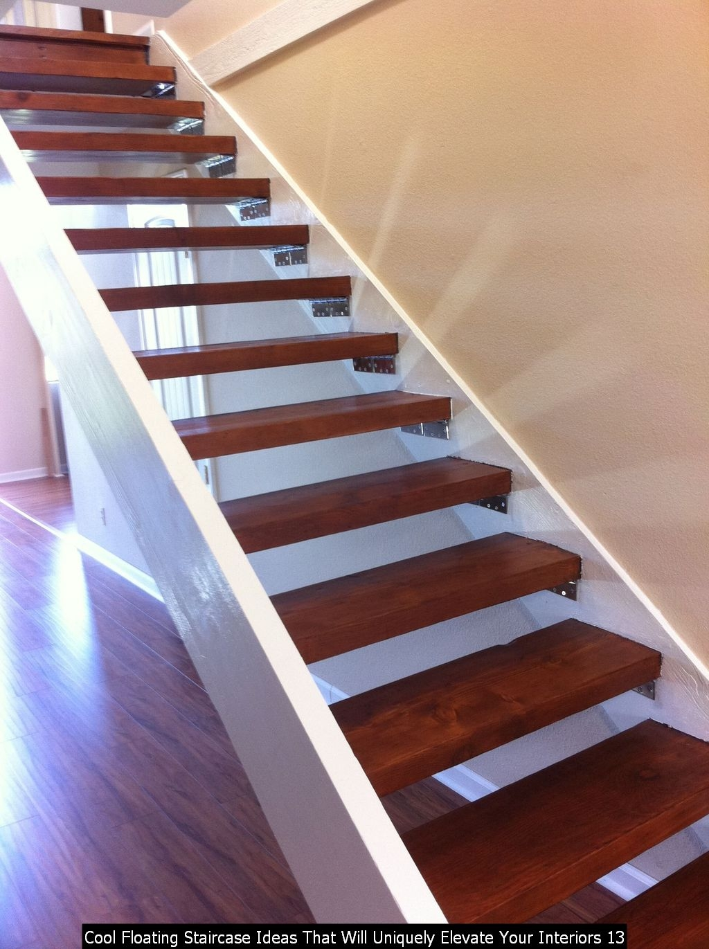 Cool Floating Staircase Ideas That Will Uniquely Elevate Your Interiors 13