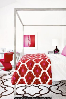 Astonishing Red Bedroom Decorating Ideas For You 46