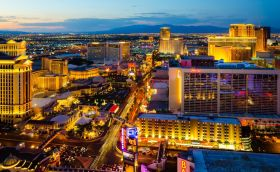 Credits Las Vegas by Photoquest/Can Stock Photo