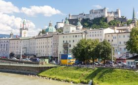 Credits: Salzburg by Vichie81/can stock photo