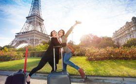 credits. Paris by Serrovnik/can stock photo