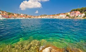credits. Dugi Otok by xbrchx/can stock photo