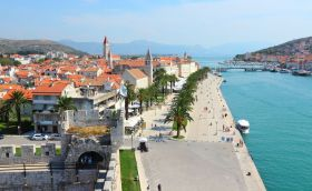 Trogir by Tupungato/can stock photo