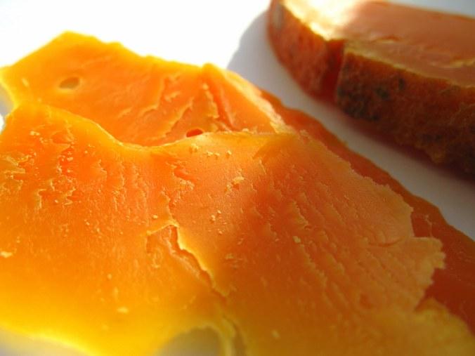 Оранжевое чудо - лепестки сыра Мимолет