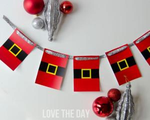 FREE Christmas Printable:: Santa Garland by Love The Day