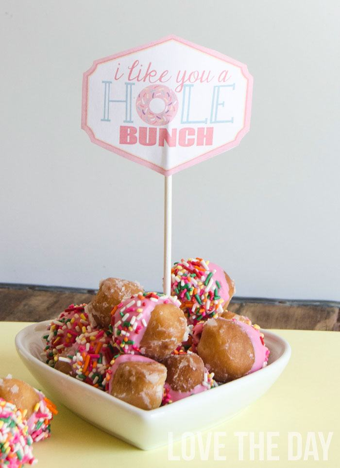 'I Like You A Hole Bunch' Donut Valentine FREE Printable by Love The Day
