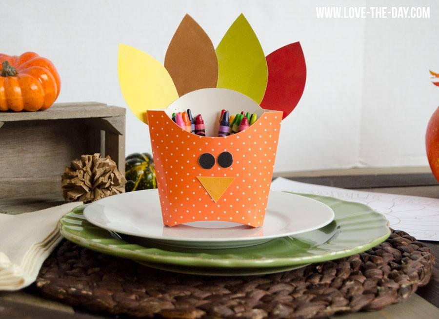Thanksgiving Crafts for Kids:: DIY Turkey Boxes
