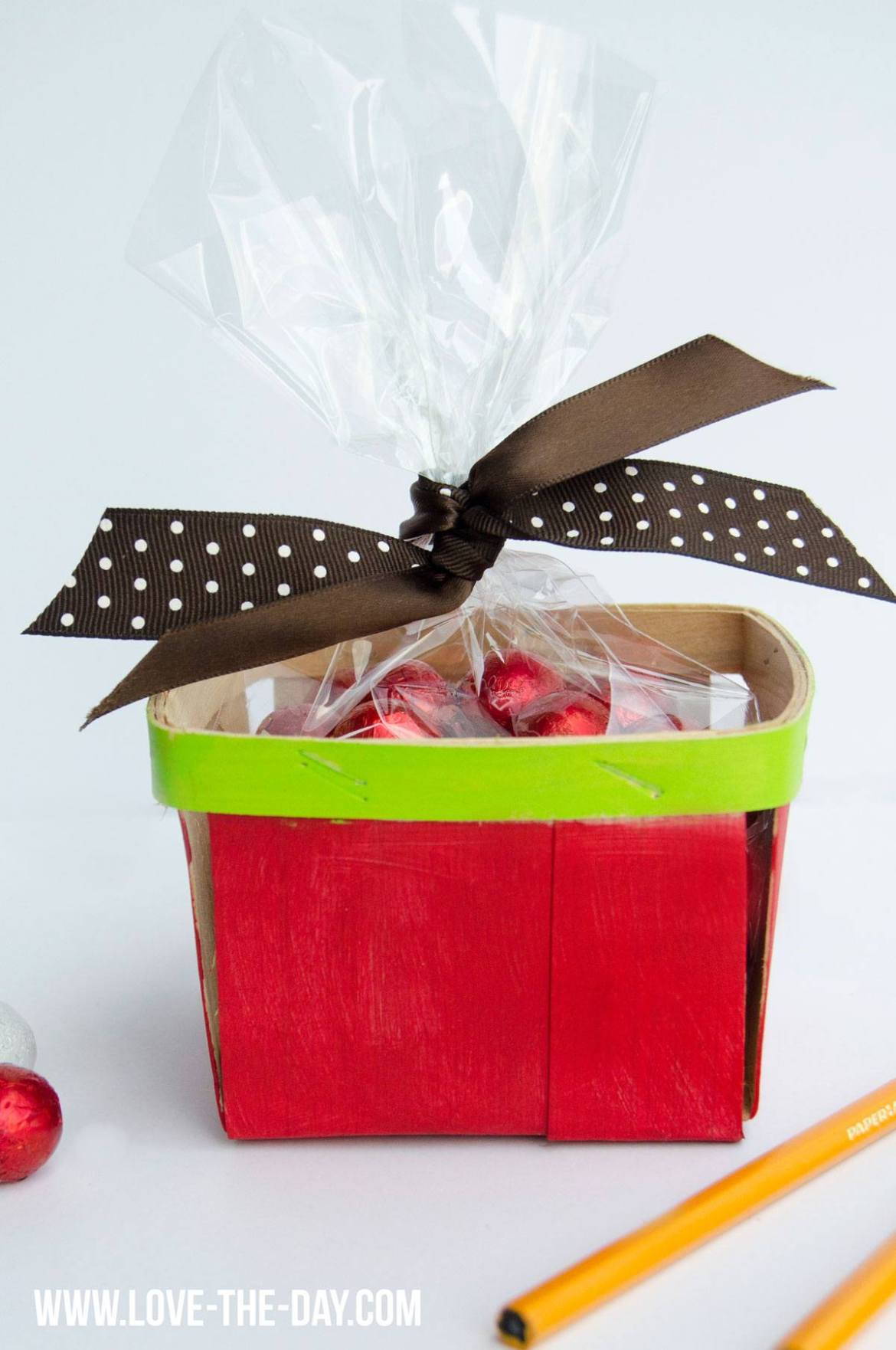 DIY Apple Gift Box by Love The Day