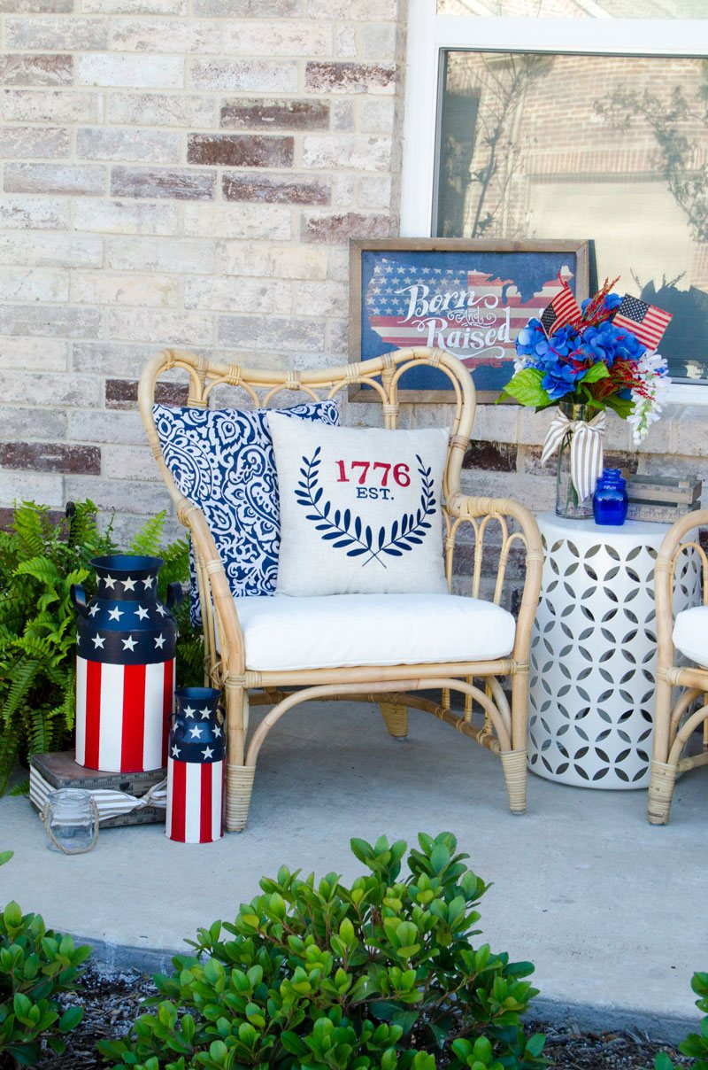 How To Decorate A Front Porch for 4th of July by Lindi Haws of Love The Day