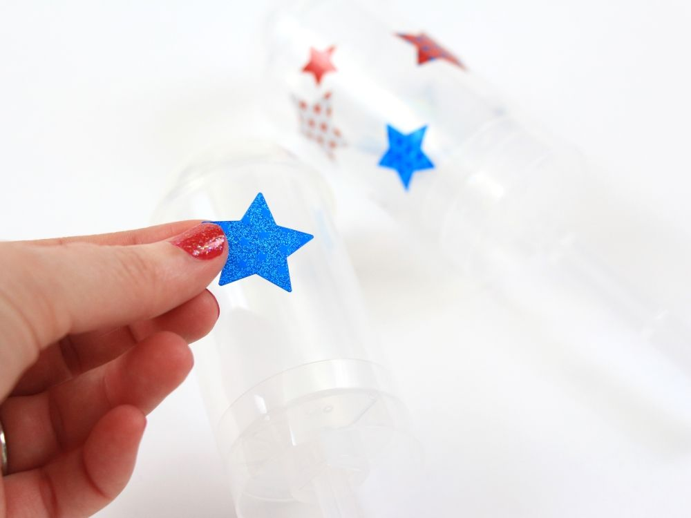 Try this easy and festive Patriotic Craft Idea - DIY Confetti Poppers by Polka Dotted Blue Jay on Love the Day