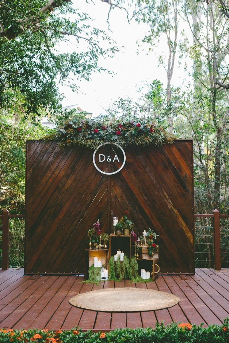 10 simple and stunning wedding backdrop ideas on love the day a candlelit garden backdrop 10 stunning wedding backdrop ideas on love the day junglespirit Gallery