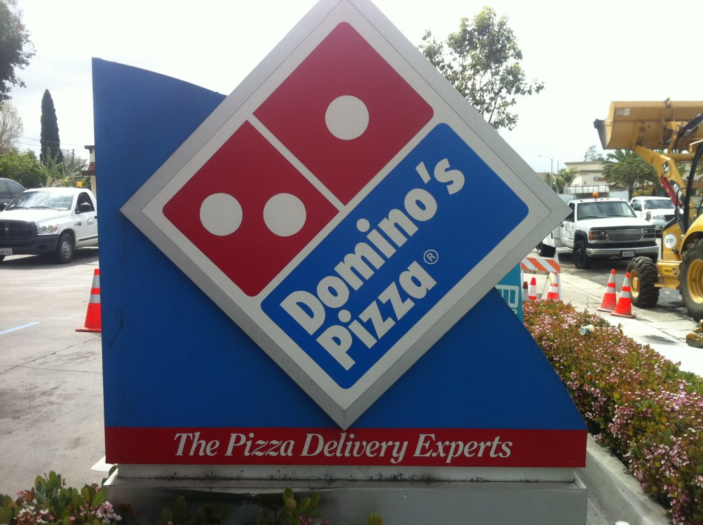 dominos monument sign