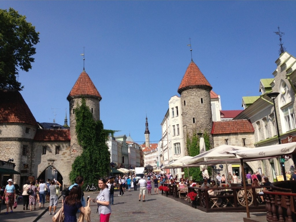 This image has an empty alt attribute; its file name is tallinn-1024x768.jpg