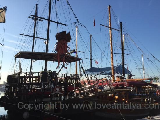 Day trip boats Antalya marina
