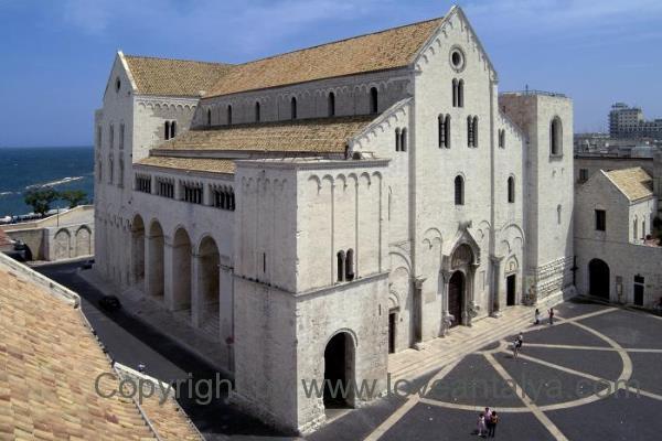 basilica-di-san-nicola-600x400