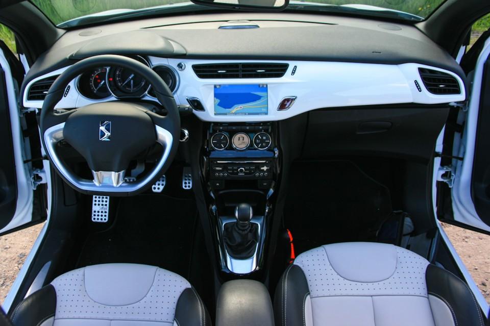 Citroën DS3 Cabrio Dashboard