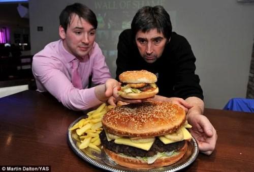 britains biggest burger