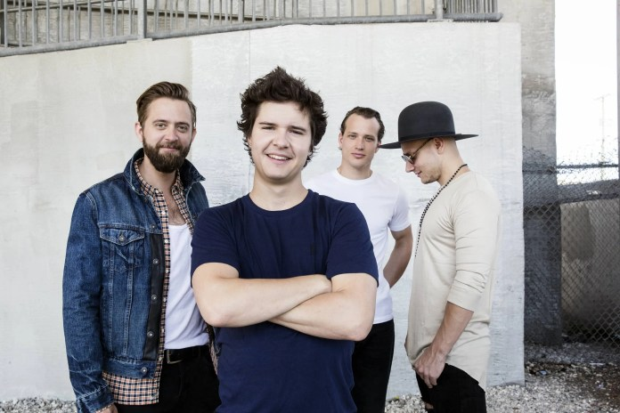 LUKAS GRAHAM (photo-credit-danny-clinch) 1