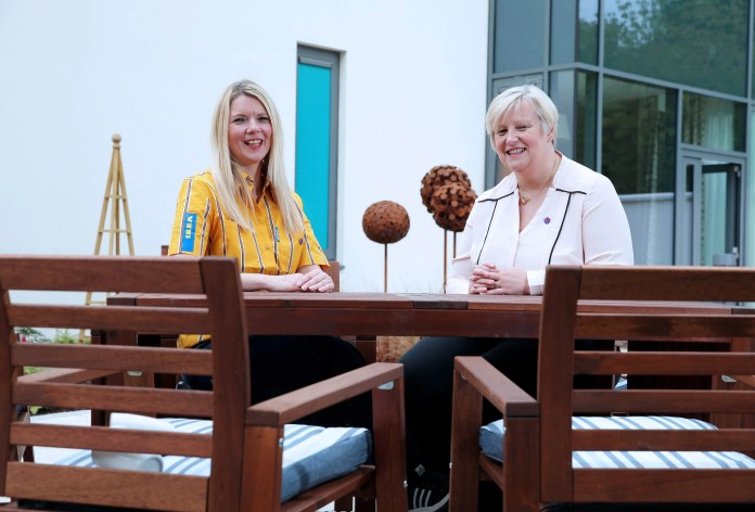 The new NI Hospice facilities have been completed, thanks to a donation of outdoor furniture worth over £4,000 from IKEA Belfast. Moira Saunders, Interior Design co-worker at IKEA Belfast who supported the project, recently joined Heather Weir, CEO of the NI Hospice for a tour of Somerton House, and the gardens and courtyards where the furniture has been installed and proving invaluable to patients, families and visitors. Photography: Kelvin Boyes, Press Eye