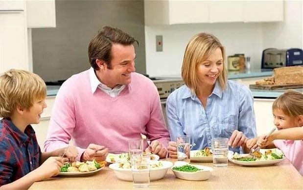 family-meal_2790784b-large_trans++pJliwavx4coWFCaEkEsb3kvxIt-lGGWCWqwLa_RXJU8