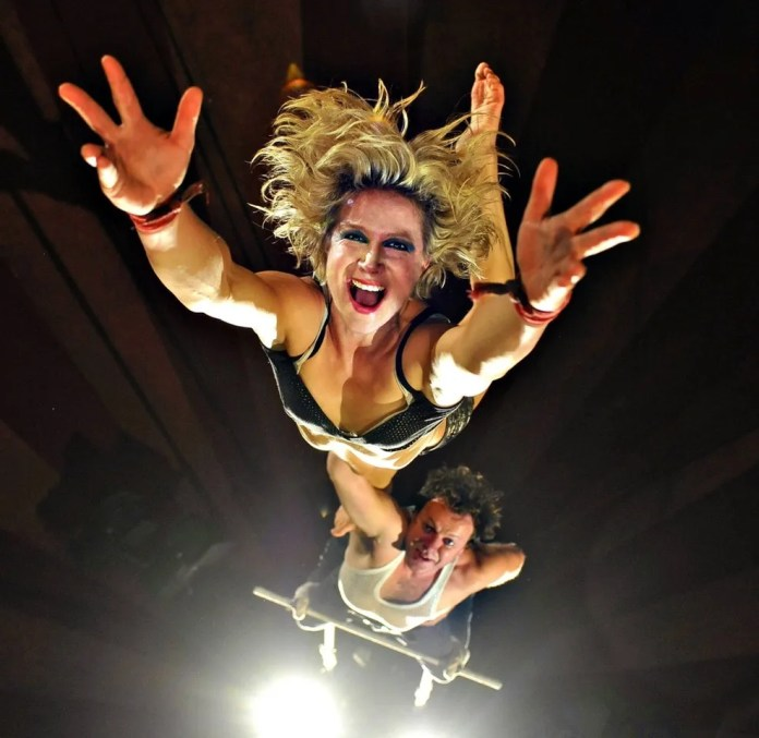 TUMBLE WINTER CIRCUS COMES TO BELFAST'S WRITER'S SQUARE FROM FRIDAY