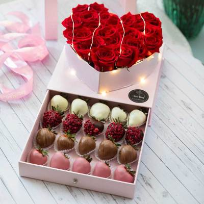 Dipped Chocolate Strawberry Arrangements