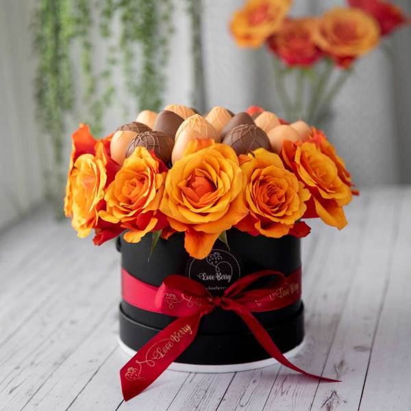 fall themed chocolate strawberry boxes