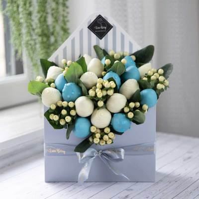 Blue Chocolate-Dipped Strawberry Envelope