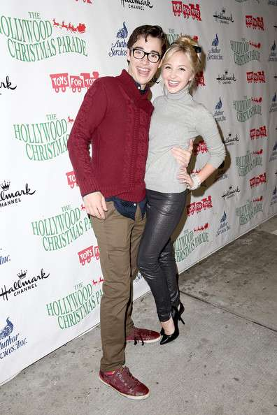 Joey Bragg relation