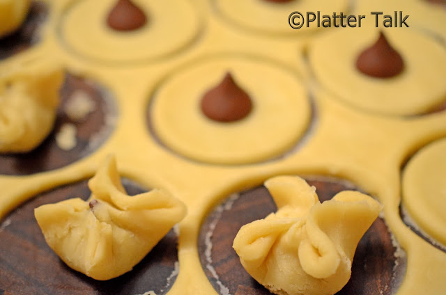 10 Valentine's Day Food & Treats - Wonton Kisses Cookies