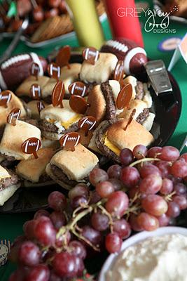 15 Super Bowl Party Ideas - Cheeseburger Sliders