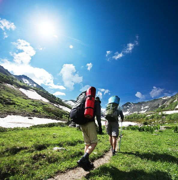 52 Date Ideas (fun, inexpensive, and creative) {Go on a hike}