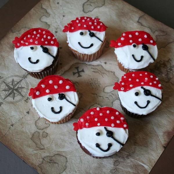 Ahoy Matey! Pirate Cupcakes