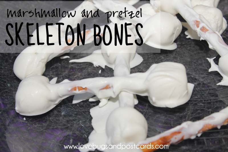 Skeleton Bones Recipe {Made with mini marshmallows and pretzels}