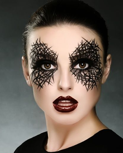21 Creepy and Cool Halloween Face Painting Ideas - Lovebugs and ...