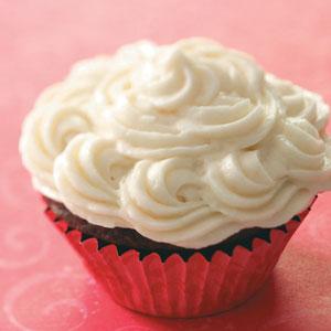 Easy Vanilla Buttercream Frosting Recipe