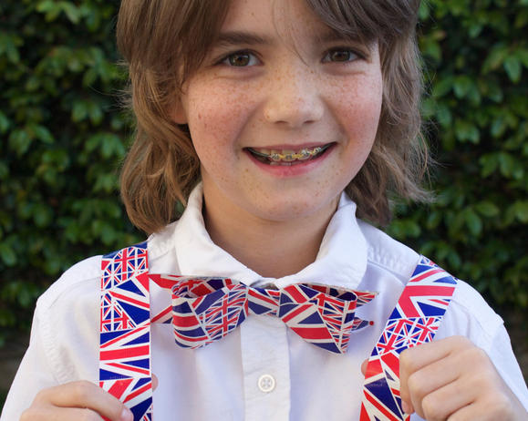 Duck Tape® Bow Tie and Suspenders in 6 Easy Steps