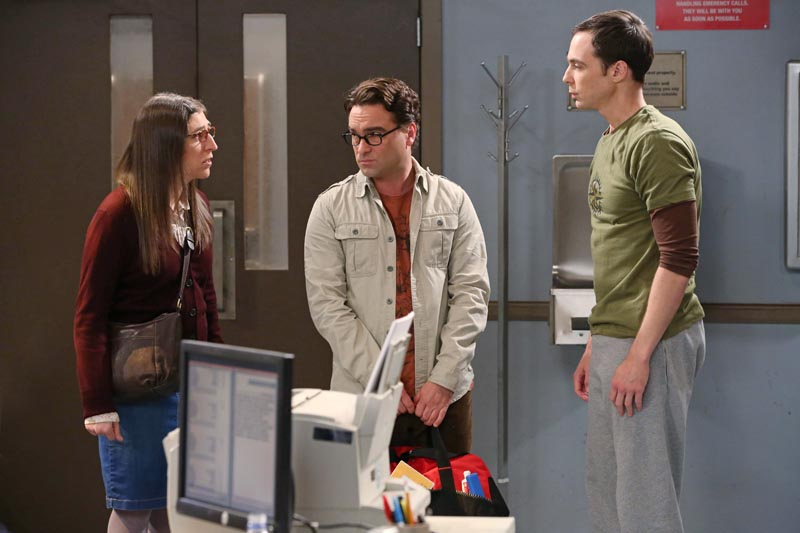 """The Locomotion Interruption"" -- Leonard (Johnny Galecki, center) and Amy (Mayim Bialik, left) take an unexpected road trip to Arizona to pick up Sheldon (Jim Parsons, right), on THE BIG BANG THEORY, Monday, Sept. 22, 2014 (8:00-8:30, ET/PT), on the CBS Television Network. Photo: Michael Yarish/WBEI © 2014 WBEI. All rights reserved."