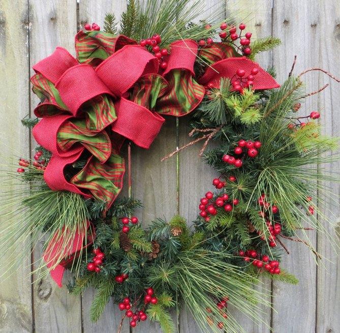 15 Christmas Wreath Ideas - Pine Wreath