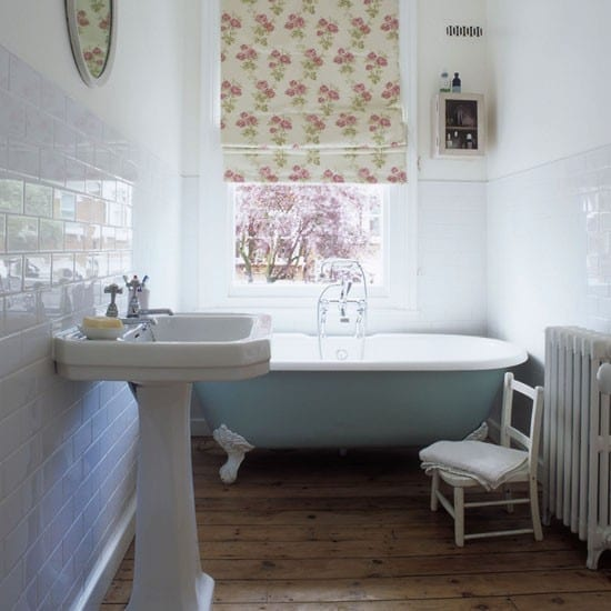 25 Best Ideas About Traditional Bathroom On Pinterest: Top Tips: How To Decorate A Small Bathroom