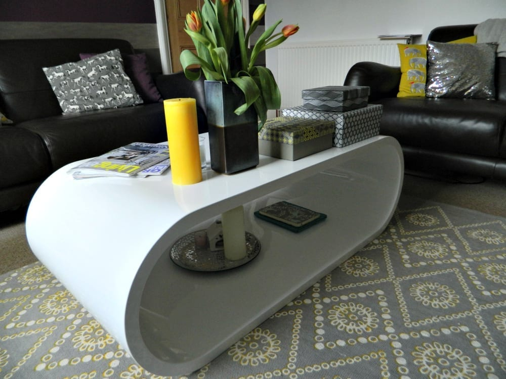 Gloss oval coffee table