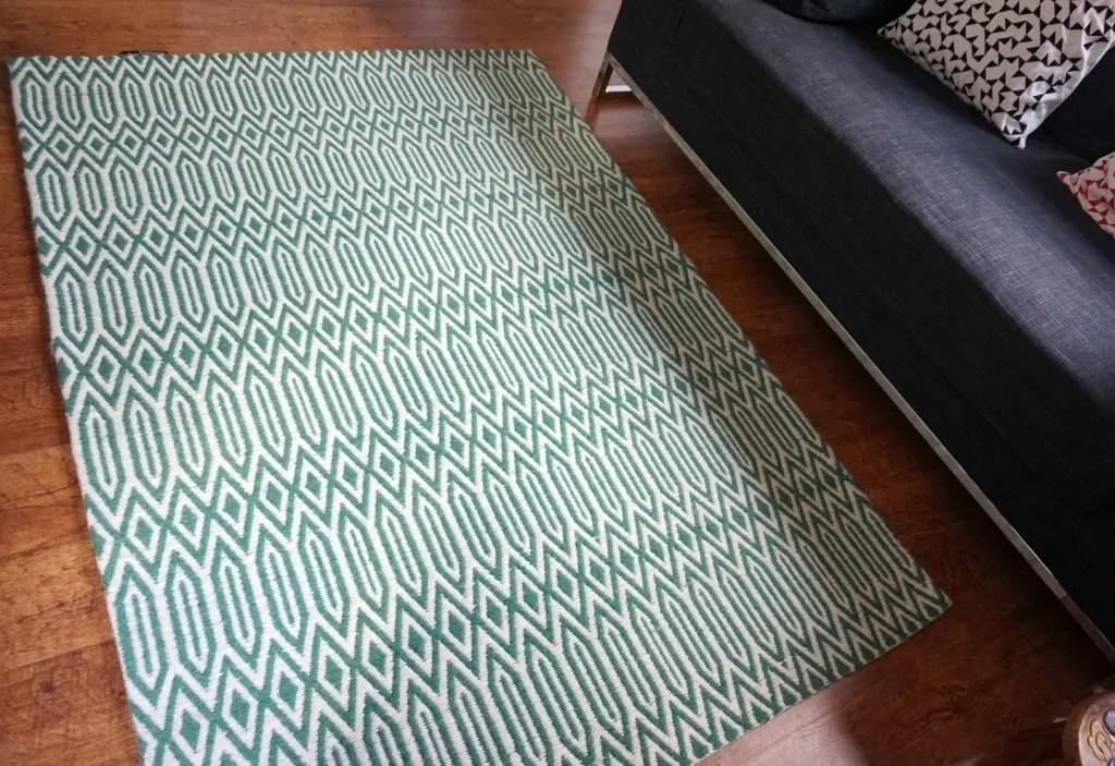 Graphic print rug