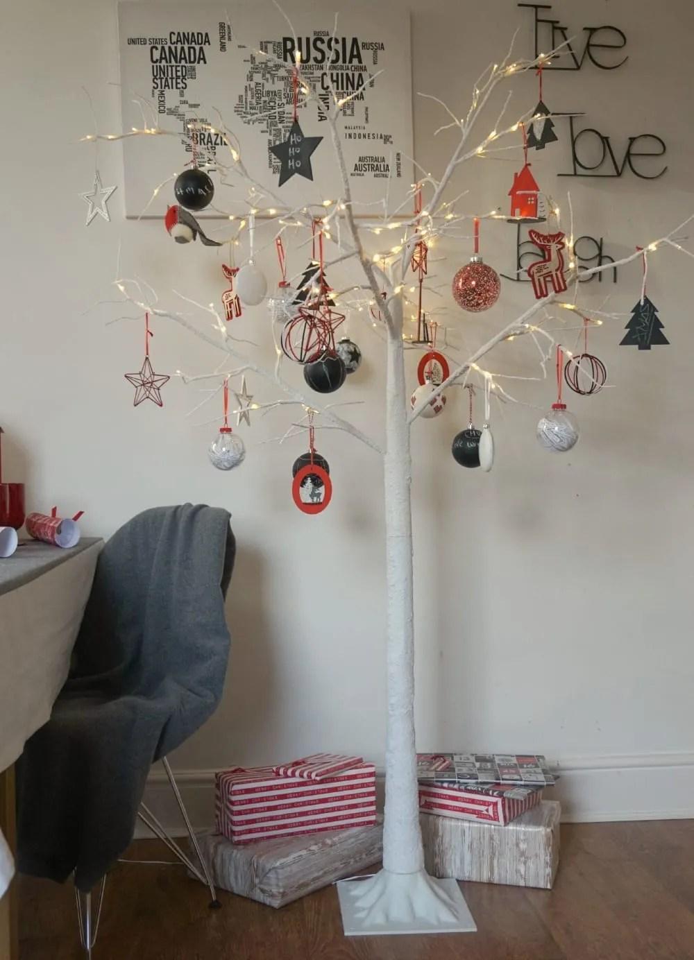 Modern Christmas Tree Ideas For Every Home