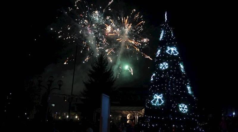 Светлините на коледната елха грейнаха и в община Тетевен