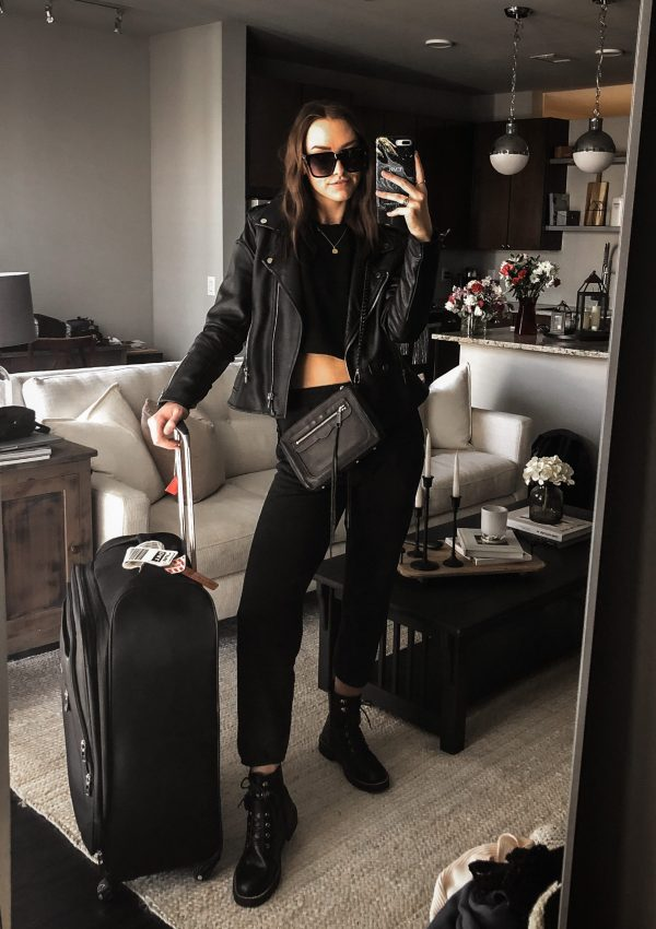 all black sweatsuit for travel