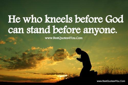 nu17 kneels stand
