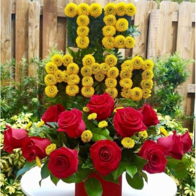TE AMO Flower Arrangement